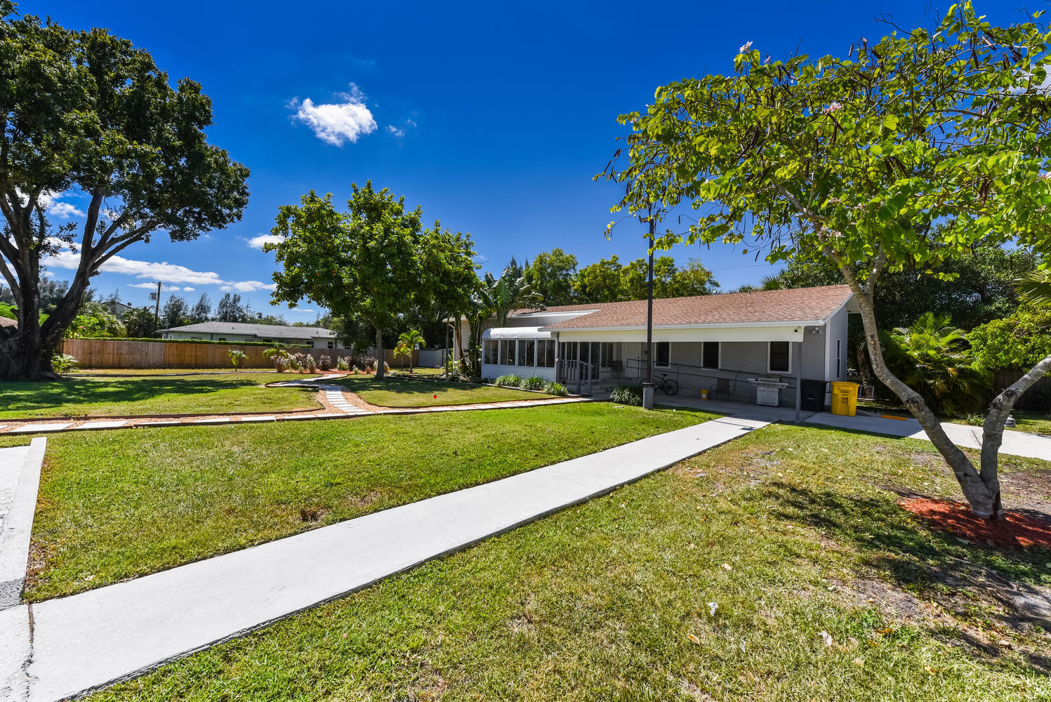 ACREAGE HOMES FOR SALE