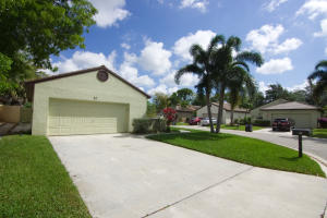 82  Ironwood Way  For Sale 10569532, FL