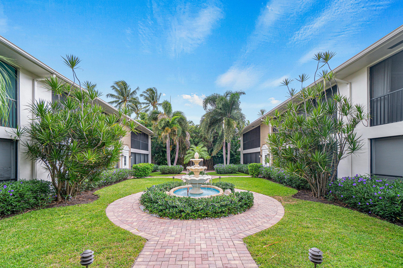 Home for sale in PARKVIEW MANOR CONDO Delray Beach Florida