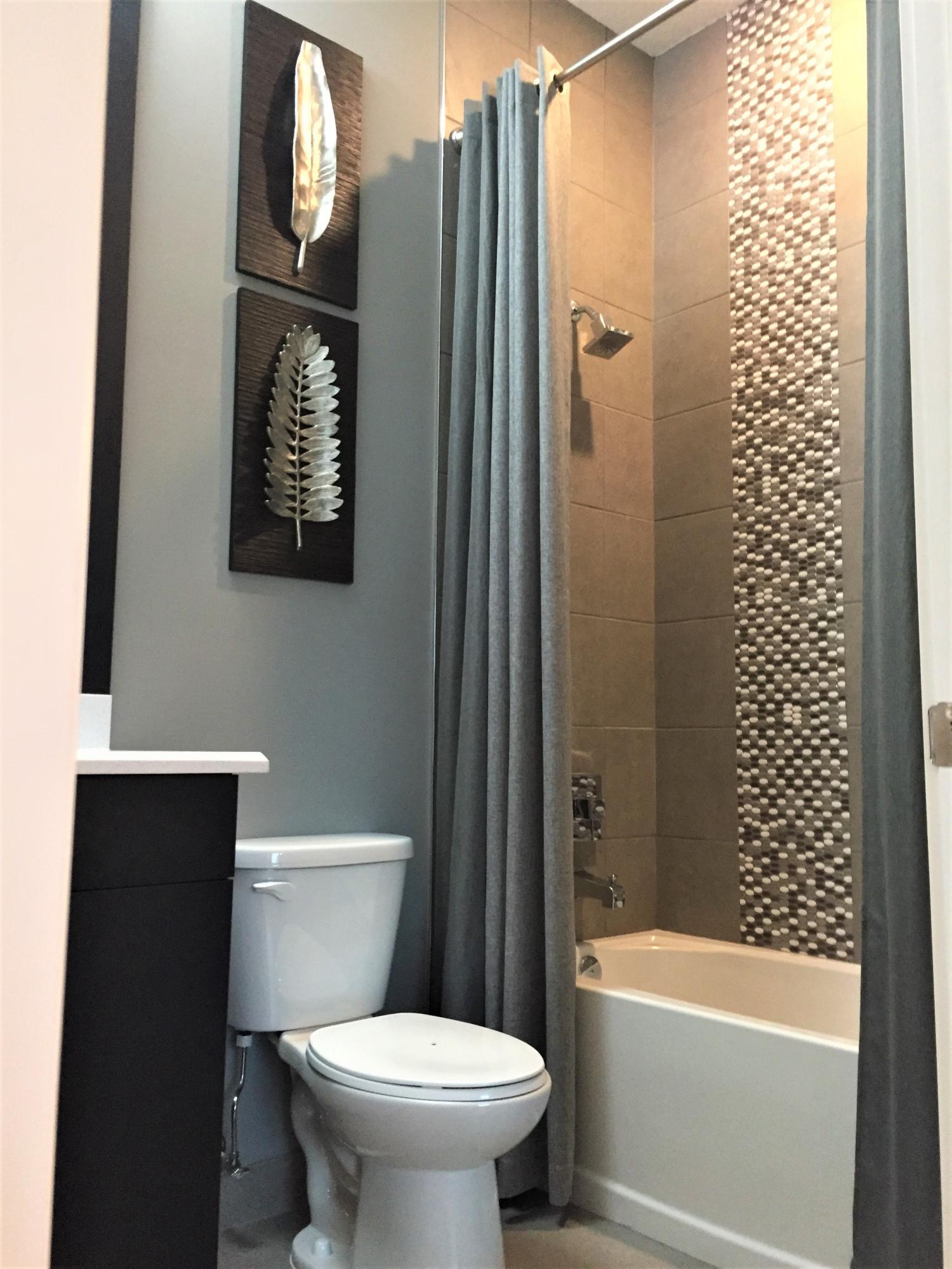 Bath 2 Tub Wall Design