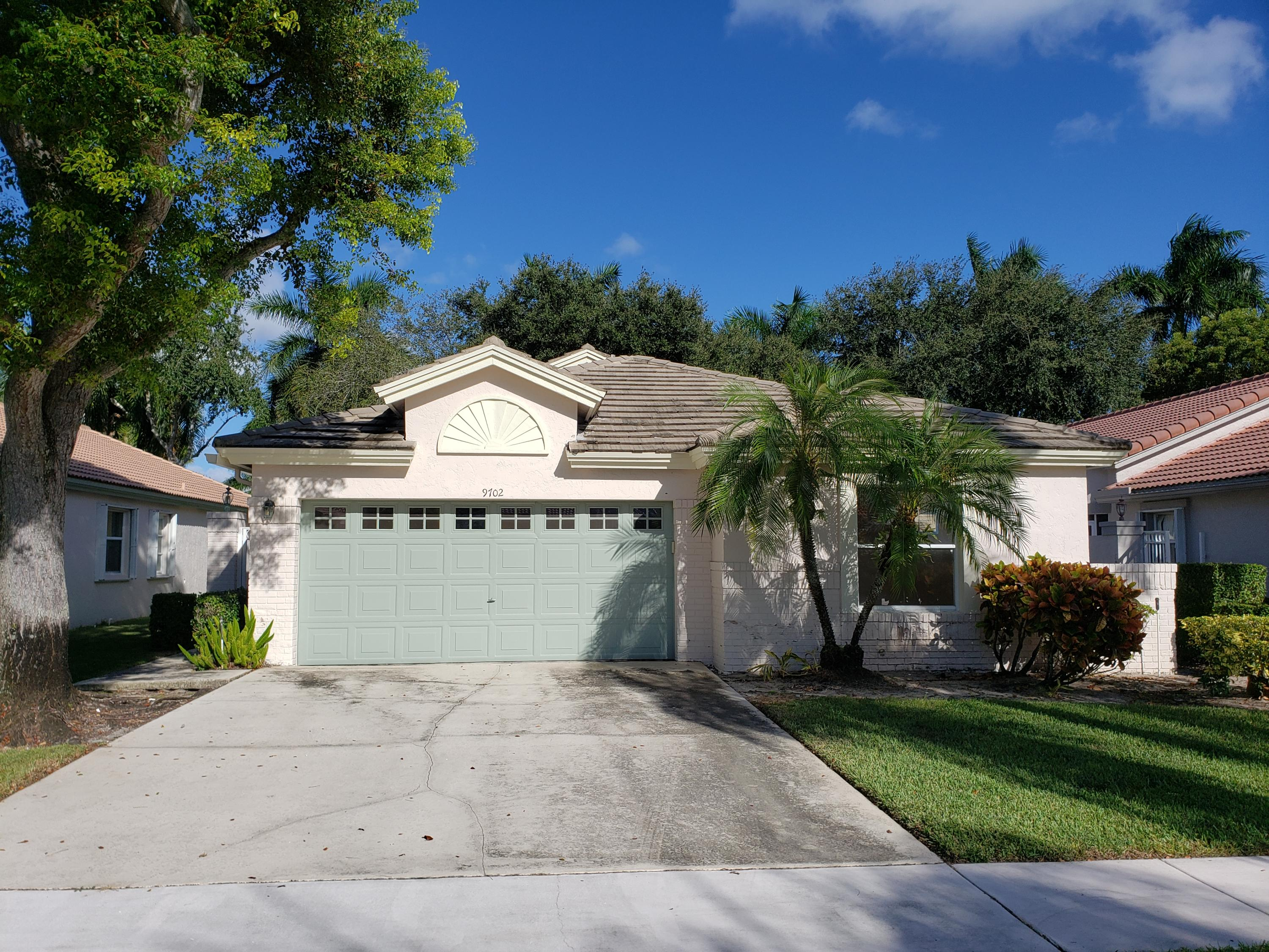 9702 Harbour Lake Circle  Boynton Beach, FL 33437