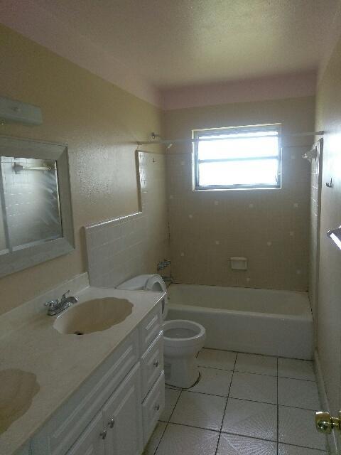 307 S 29th Street Fort Pierce, FL 34947 photo 3