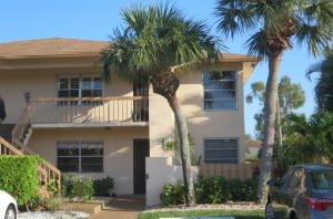 PALM GREENS AT VILLA DEL RAY CONDO II home 5892 Areca Palm Court Delray Beach FL 33484