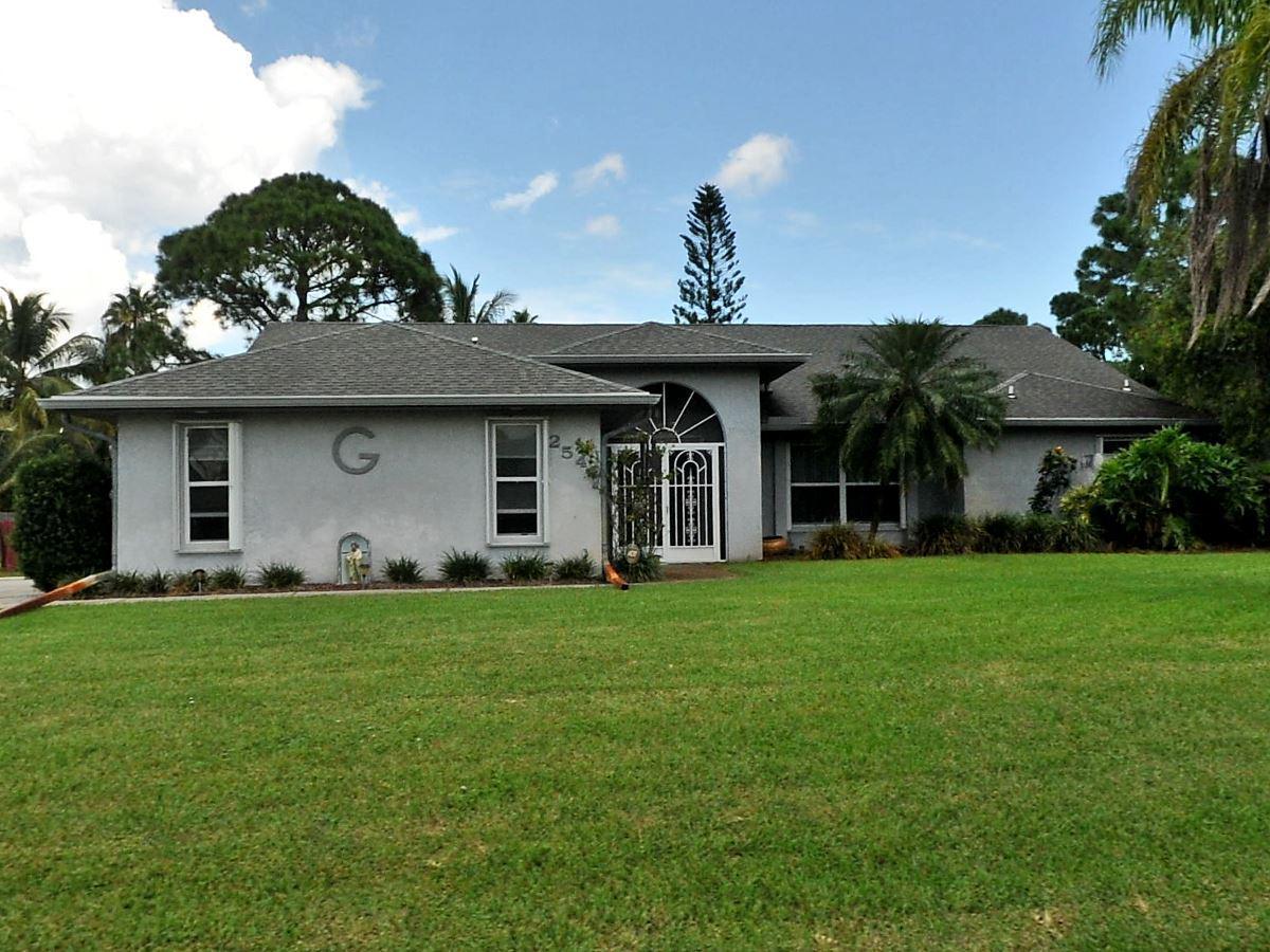 2542 SE Hamden Road Port Saint Lucie, FL 34952