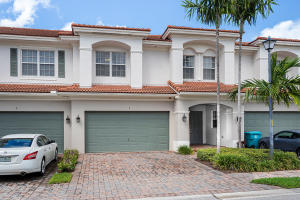 Carriage Pointe Townhomes Pud