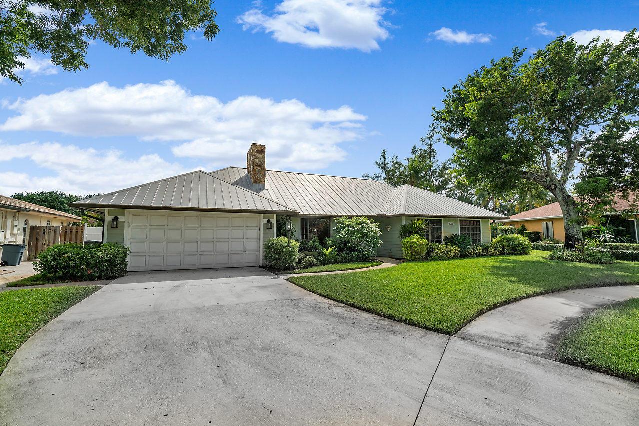 Home for sale in Florida Mango Estates West Palm Beach Florida