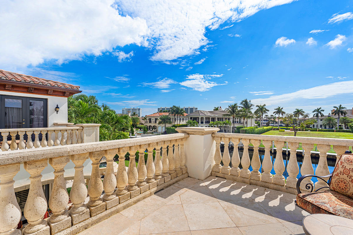 ROYAL PALM YACHT AND COUNTRY CLUB BOCA RATON REAL ESTATE