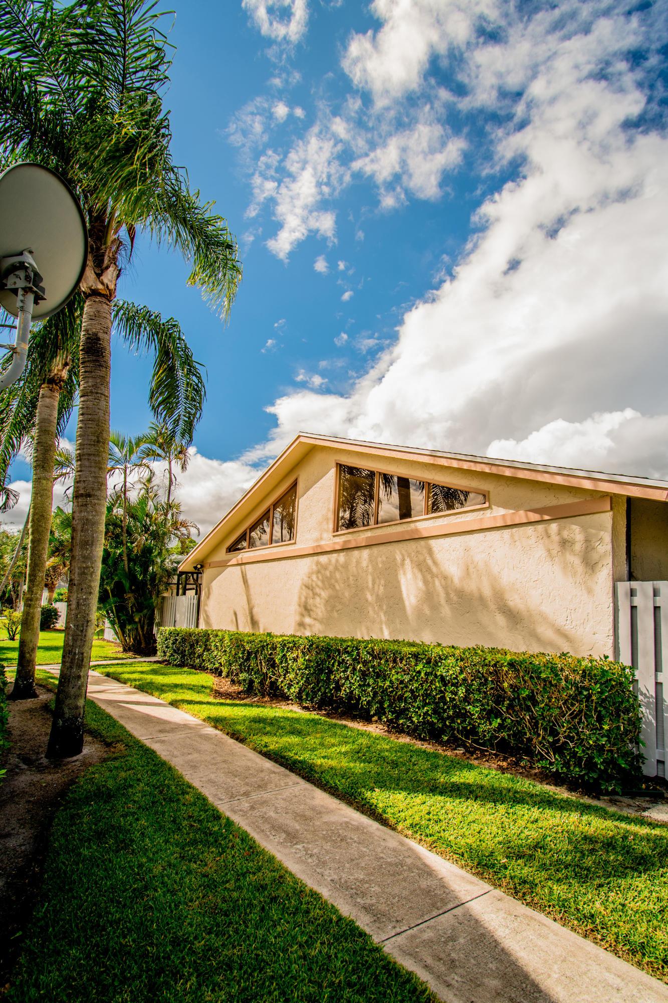 8843 Marge Court A Boynton Beach, FL 33436