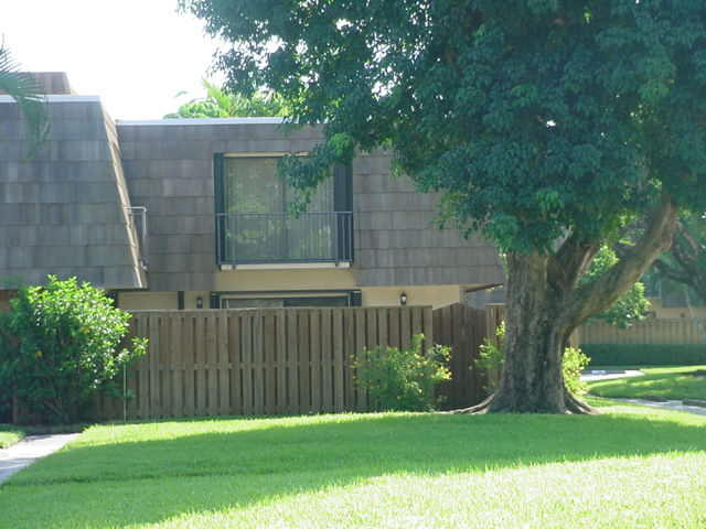 Home for sale in Sandalwood Estates Palm Beach Gardens Florida