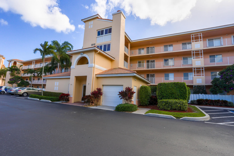 5810 Crystal Shores Drive 203 Boynton Beach, FL 33437