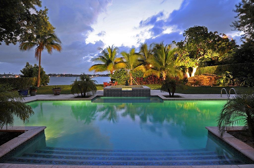 HYPOLUXO ISLAND PROPERTY