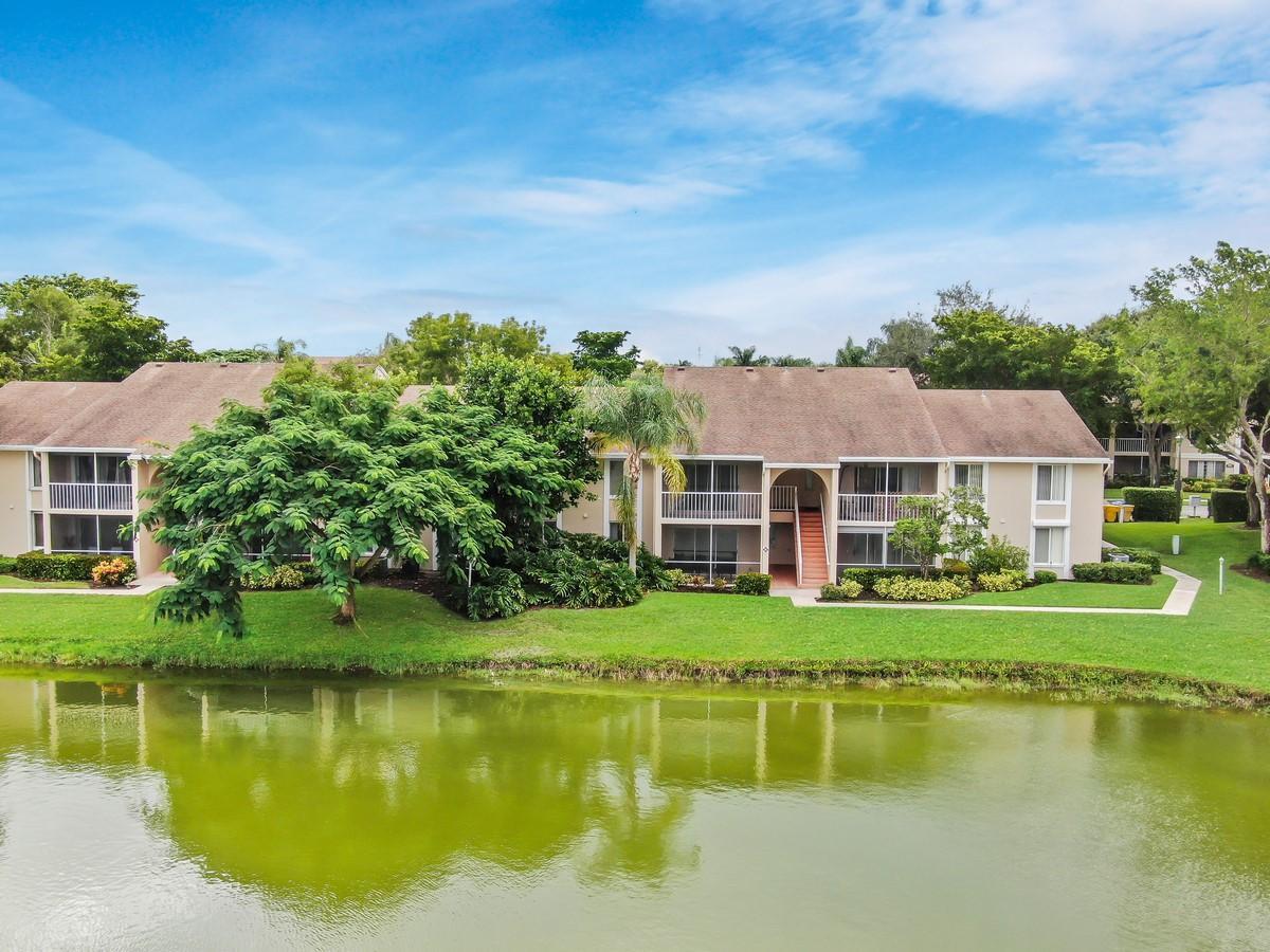 Home for sale in Pine Ridge Delray Beach Florida