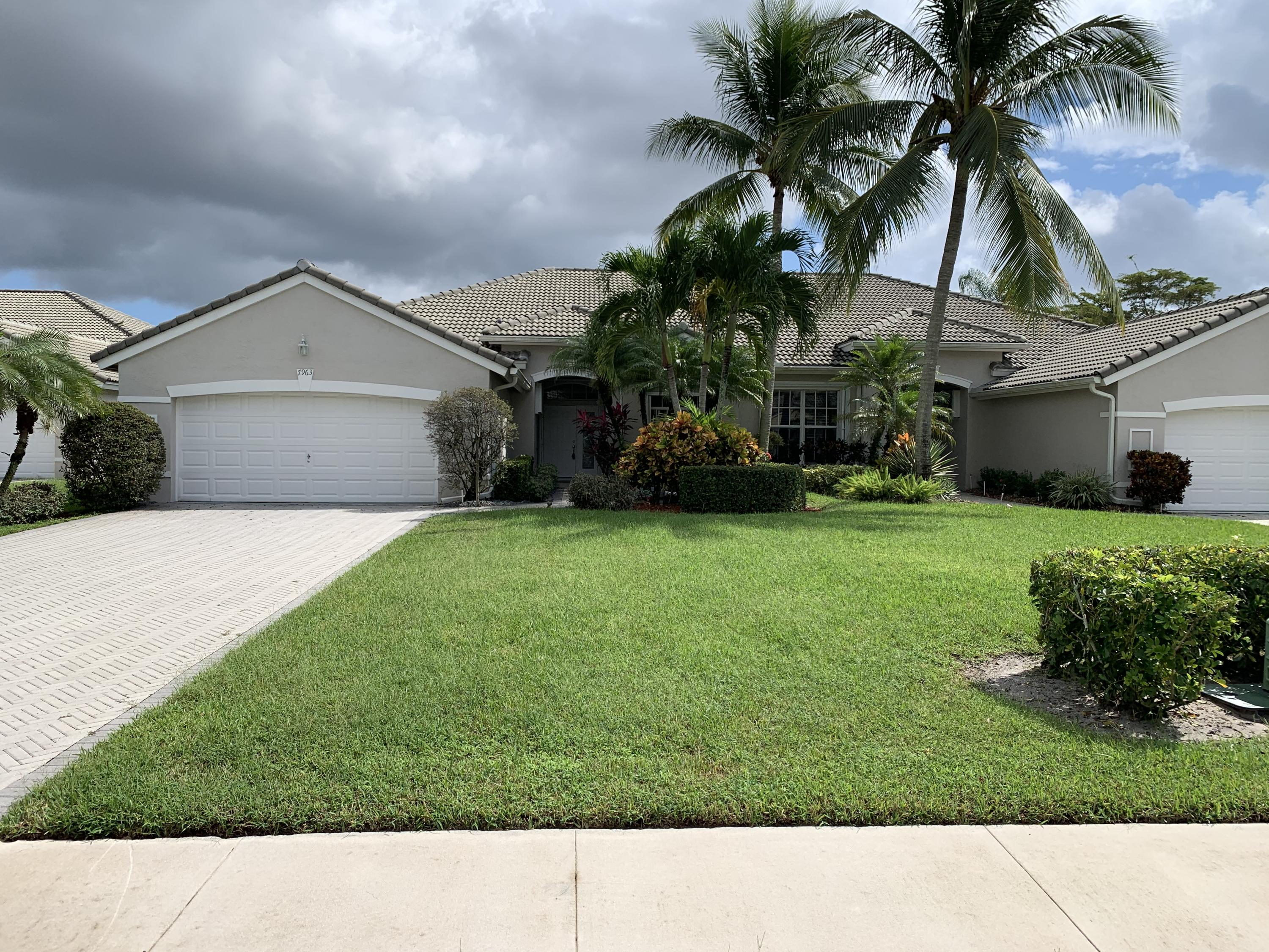 Home for sale in Aberdeen - Brittany Lakes Boynton Beach Florida