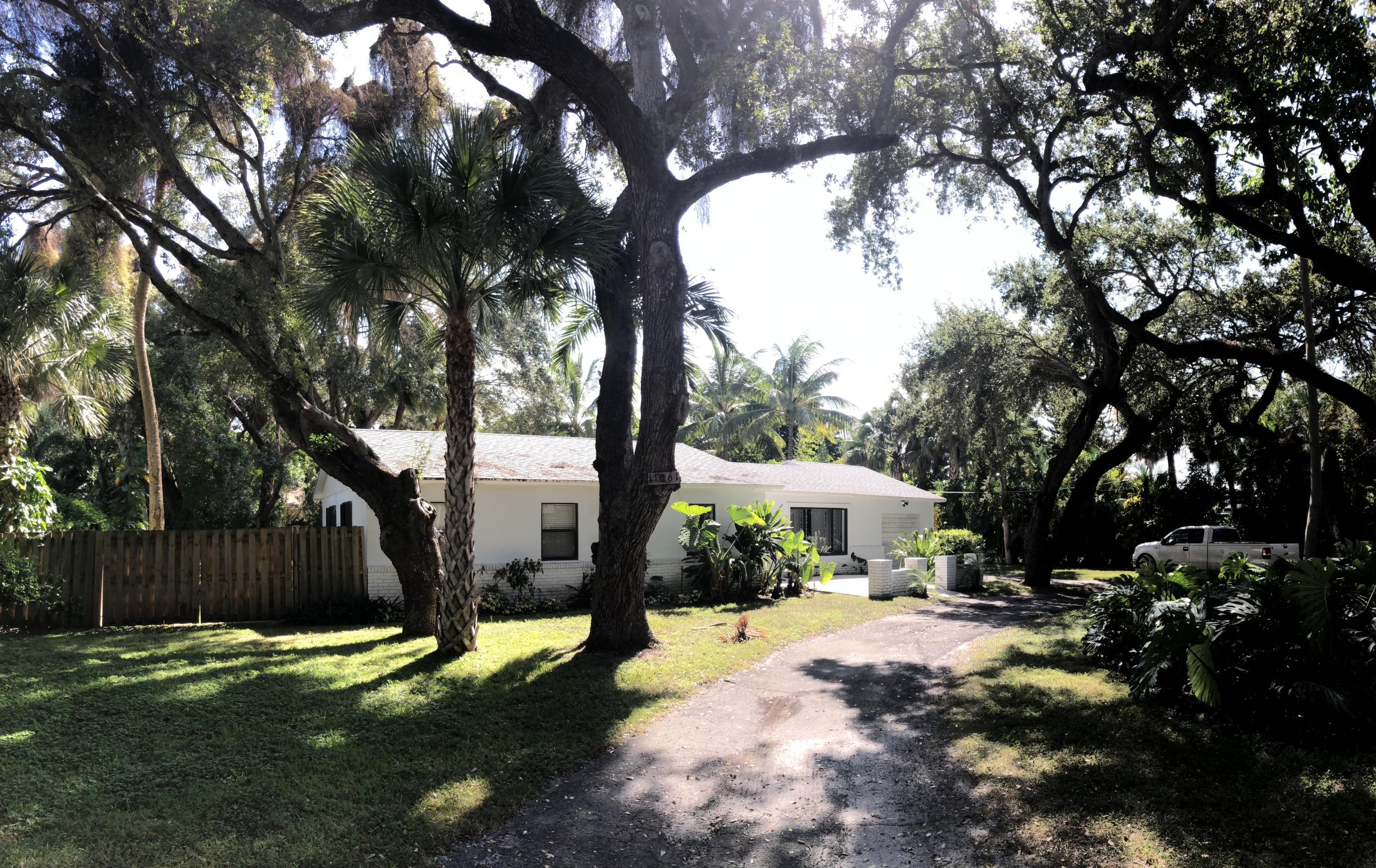 Home for sale in S/D OF GOV LT 8, 4-42-43 IN North Palm Beach Florida