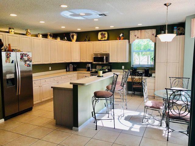 1212 Oakwater Drive Royal Palm Beach, FL 33411 photo 6