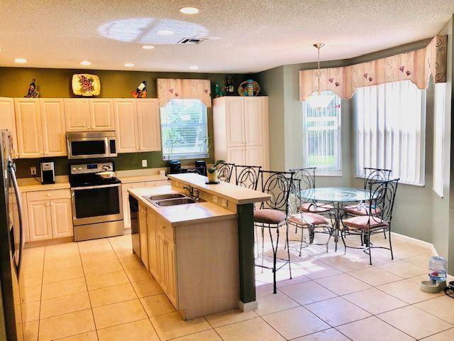 1212 Oakwater Drive Royal Palm Beach, FL 33411 photo 7