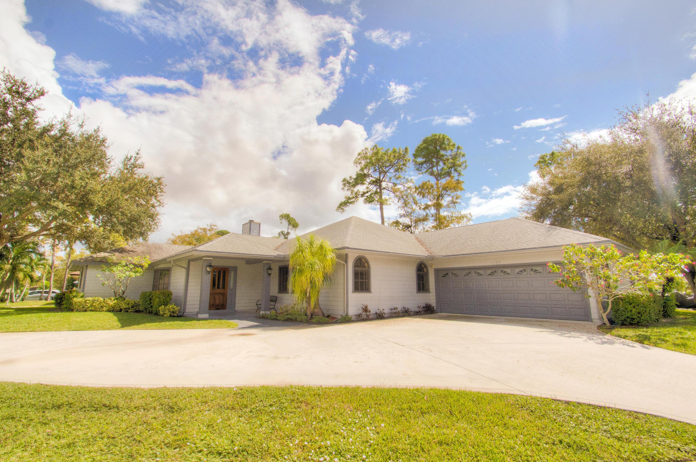 1105 Raintree Lane  Wellington, FL 33414