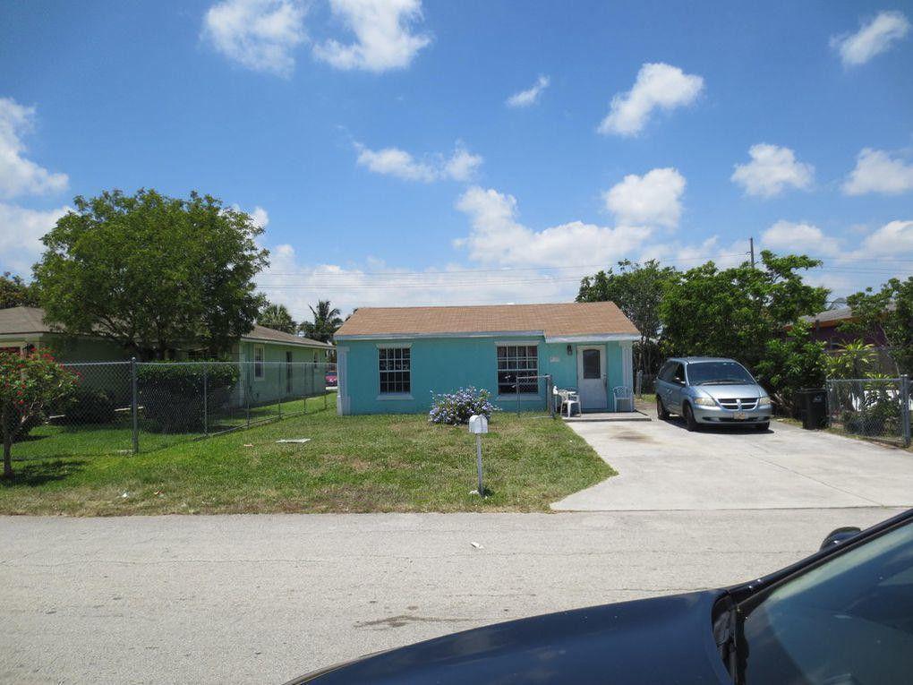 212 SW 11th Avenue  Delray Beach, FL 33444