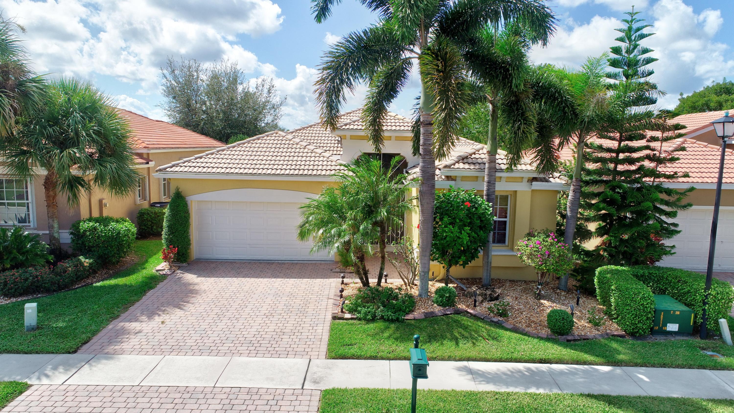 6671 Via Dante Lake Worth, FL 33467