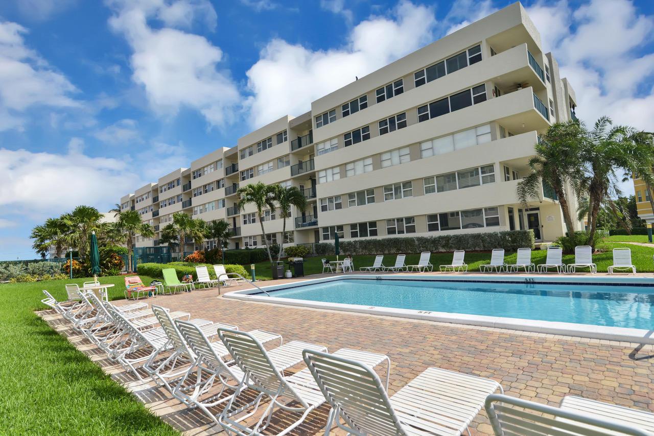 1236 Hillsboro Mile, Hillsboro Beach, Florida 33062, 2 Bedrooms Bedrooms, ,2 BathroomsBathrooms,Residential,For Sale,Hillsboro Mile,RX-10570712