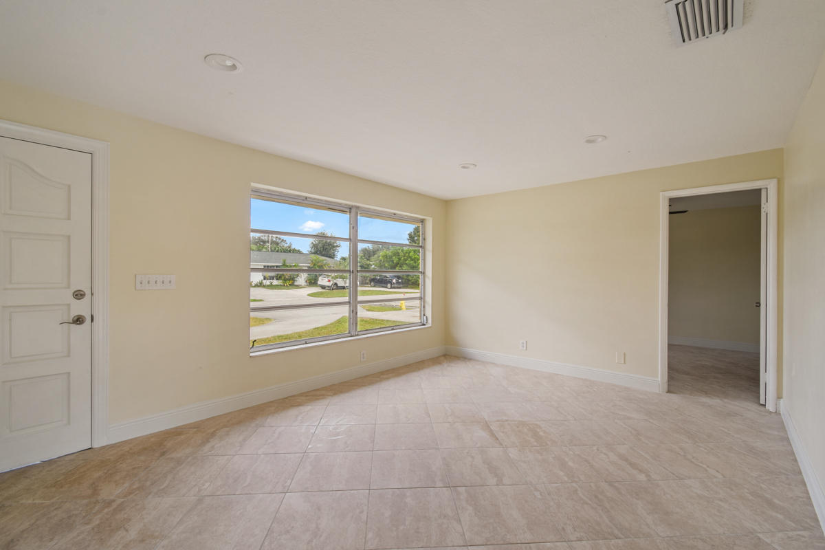 PALM BEACH SQUARE UNIT 6 REALTY