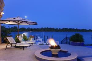 372  Regatta Drive , Jupiter FL 33477 is listed for sale as MLS Listing RX-10580919 photo #8