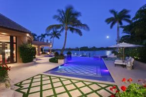 372  Regatta Drive , Jupiter FL 33477 is listed for sale as MLS Listing RX-10580919 photo #20