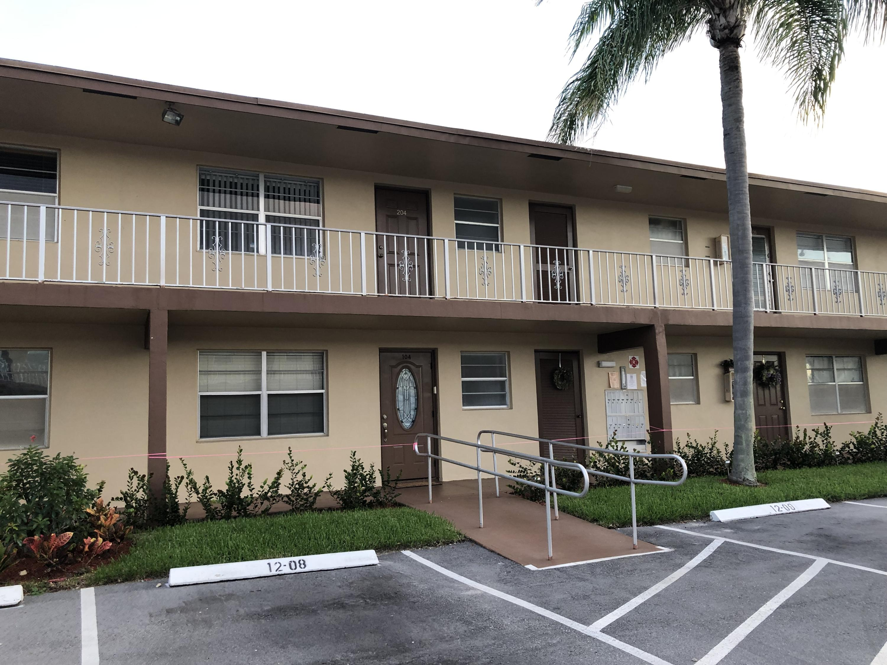 BEST RENTAL IN ORIOLE GARDENS!!!  BRAND NEW KITCHEN, NEW CARPET, NEW FIXTURES, NEW CLOSET DOORS, NEW WATER HEATER AND MORE. NICE PATIO WITH GARDEN VIEWSecond floor unit conveniently located next to the laundry room, with storage, Sorry no pets allowed, 1 car only, 55 and over community. minimum credit score 675 per Association.