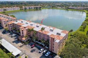 HUNTINGTON POINTE home 6112 Huntwick Terrace Delray Beach FL 33484
