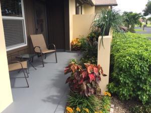 Las Verdes 5168 Copperleaf Circle