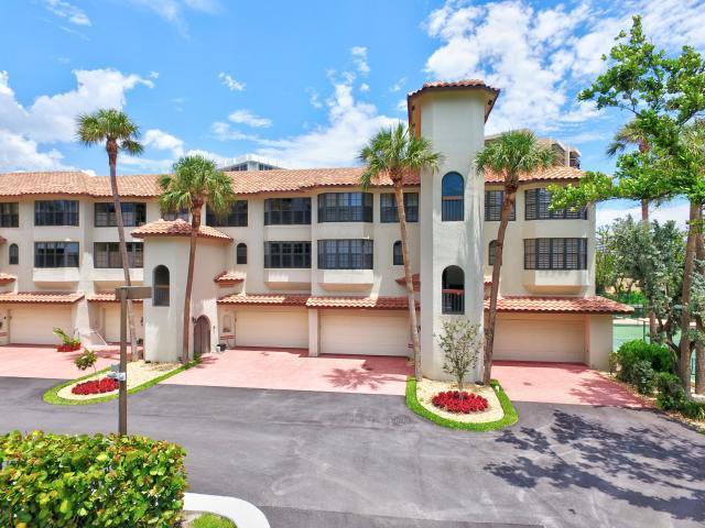 4401 N Ocean Boulevard 18  Boca Raton FL 33431