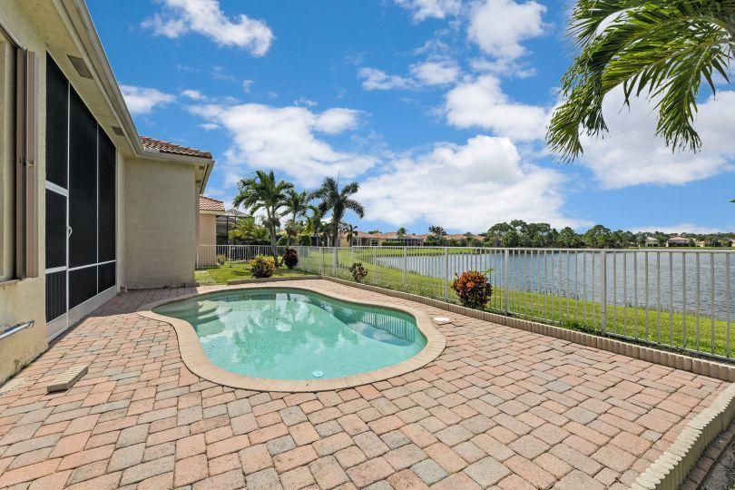2601 Sandy Cay West Palm Beach, FL 33411 photo 2