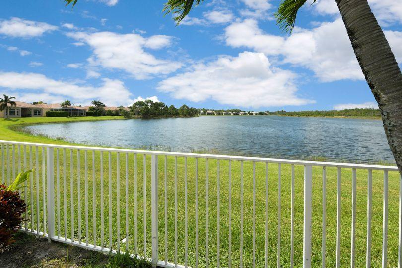 2601 Sandy Cay West Palm Beach, FL 33411 photo 3