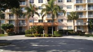 Breakwaters Of The Palm Beaches Condo