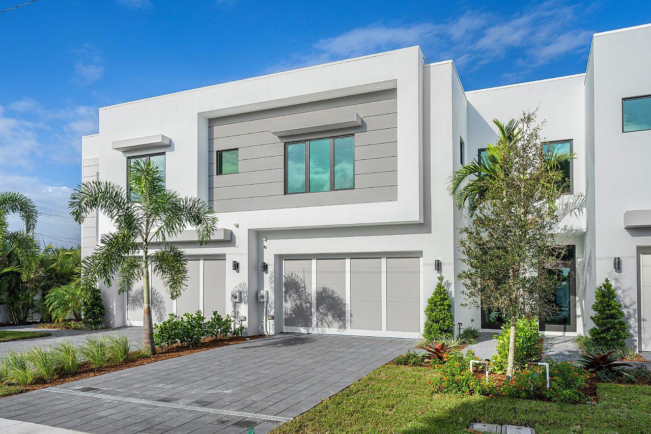 870 NE 7th Avenue  Delray Beach FL 33483