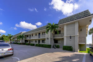 326  Northlake Drive 204 For Sale 10571697, FL
