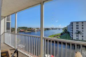1  Harbourside Drive 3502 For Sale 10572522, FL