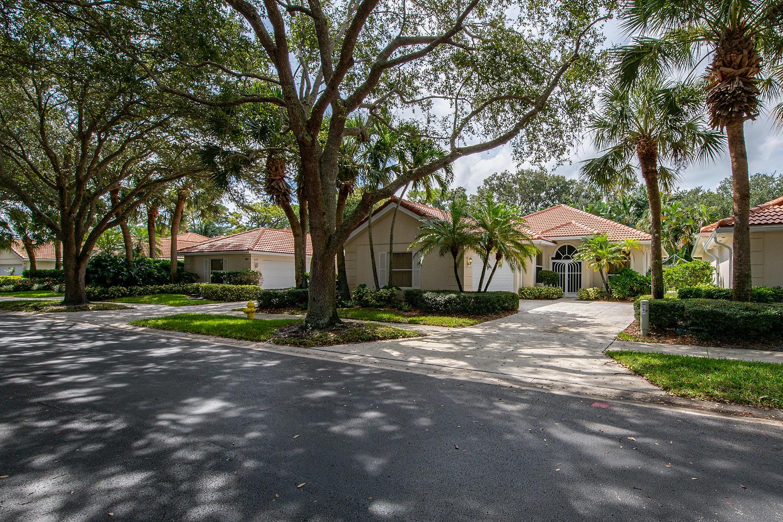 Home for sale in OAKS OAKS EAST PL 1, OAKS EAST Palm Beach Gardens Florida
