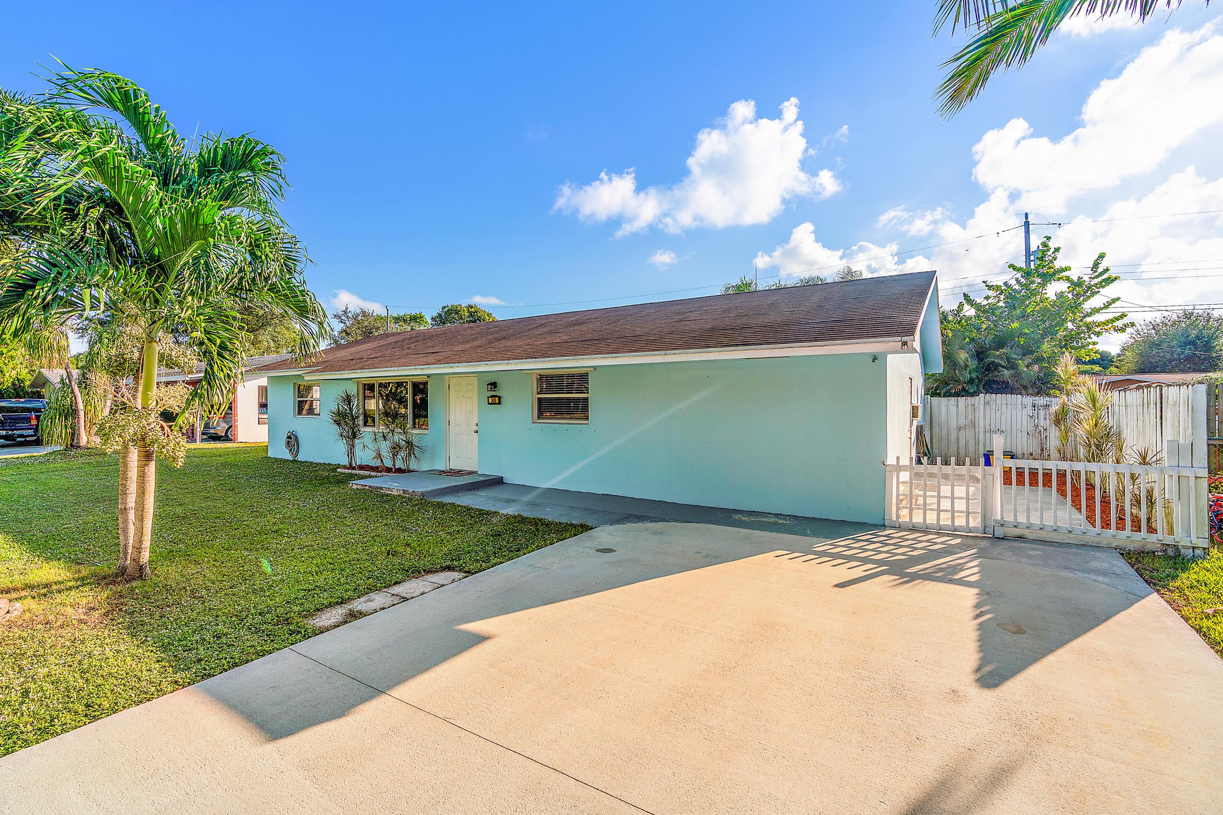 Home for sale in penn park Jupiter Florida