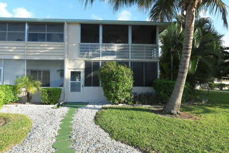 220 Dorchester J West Palm Beach, FL 33417 photo 15