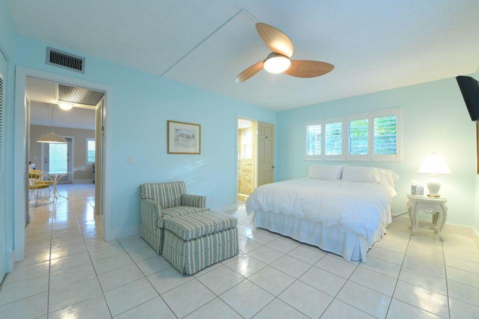 220 Dorchester J West Palm Beach, FL 33417 photo 8