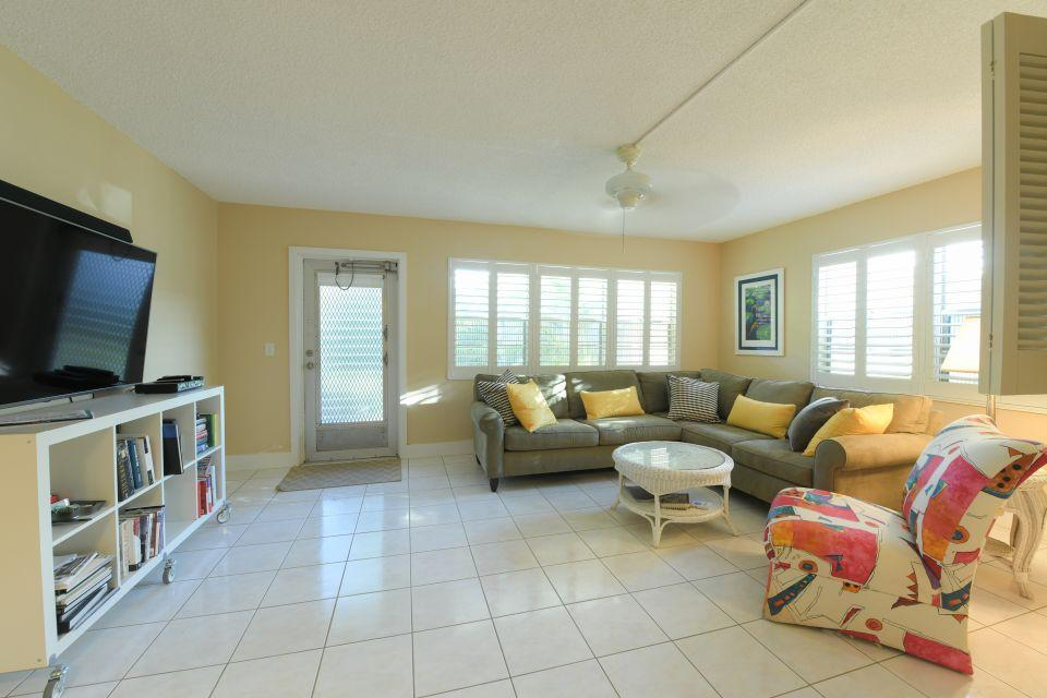 220 Dorchester J West Palm Beach, FL 33417 photo 3