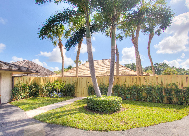 11677 Wimbledon Circle - Wellington, Florida