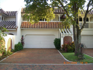 156  Harbor Circle  For Sale 10572845, FL