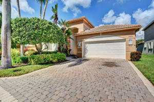 10868  Grande Boulevard  For Sale 10573005, FL