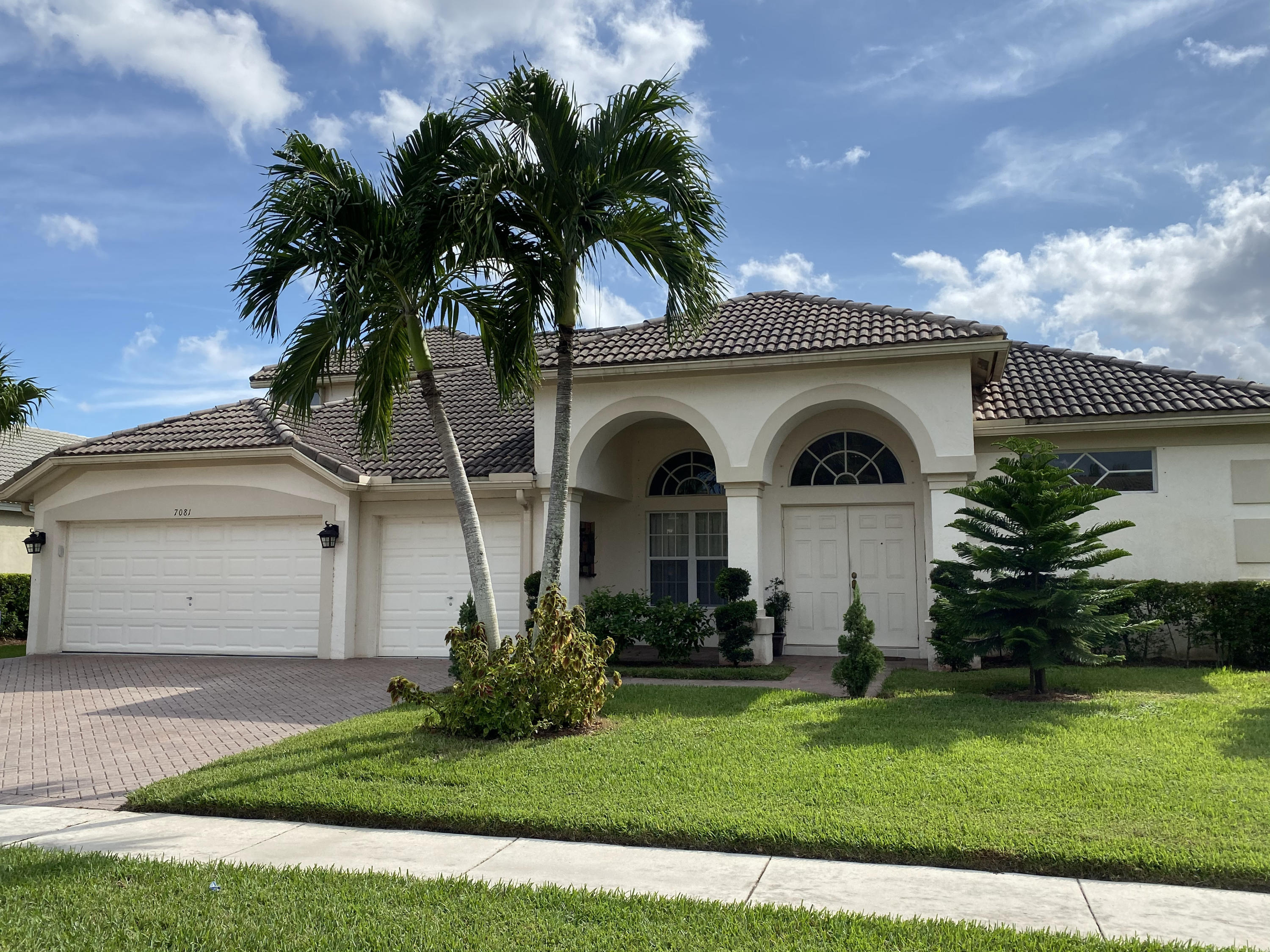 Home for sale in Bristol Lakes/ Aberdeen 'no' Membership Required Boynton Beach Florida