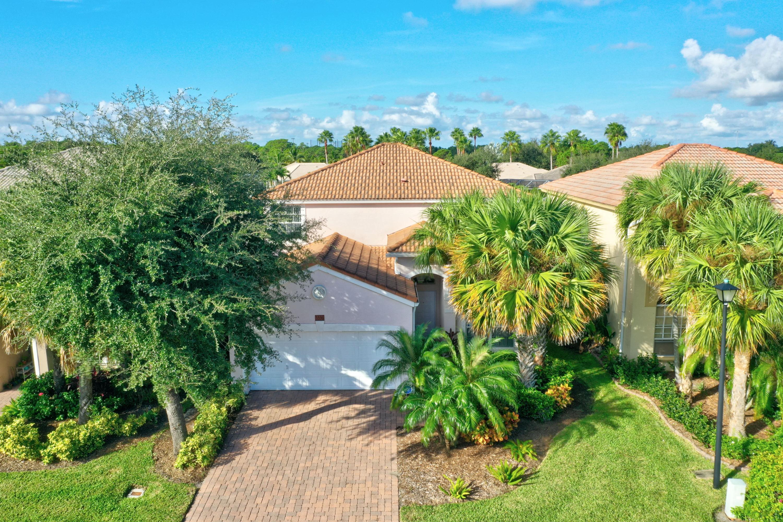 3596 NW Deer Oak Drive  Jensen Beach FL 34957