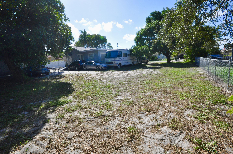 4010 Garden Avenue West Palm Beach, FL 33405 photo 4