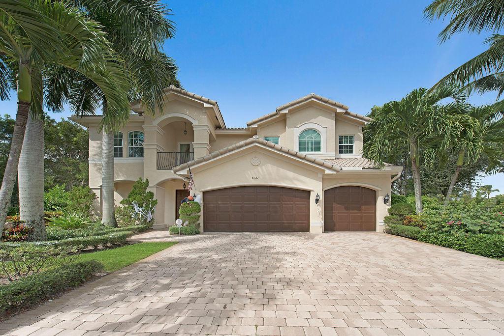 8927 Rockridge Glen Cove  Boynton Beach, FL 33473