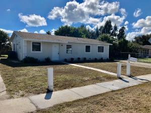 1376  13th Street  For Sale 10574305, FL